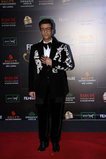 Karan Johar papped at the Red Carpet of Filmfare Glamour and Style Awards 2019