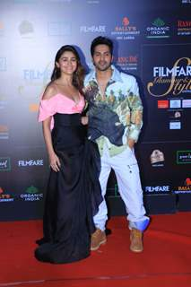 Alia Bhatt and Varun Dhawan papped at the Red Carpet of Filmfare Glamour and Style Awards 2019