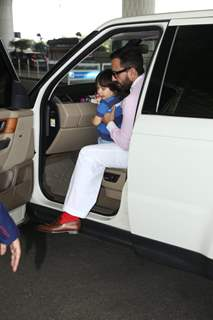 Saif Ali Khan papped with little Taimur outside the airport