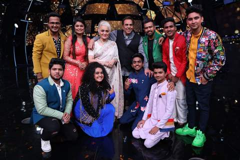 Asha ji and Dharam ji with contestants on Indian Idol