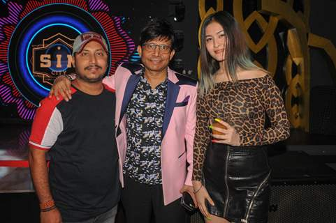 Kamaal R Khan with friends celebrating his birthday