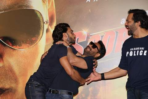 Ranveer Singh tries to kiss Ajay Devgn at the trailer launch of Sooryavanshi!