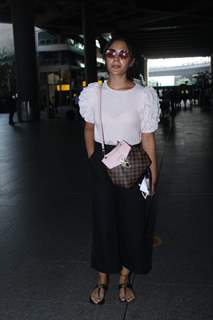 Samyukta Menon snapped at airport
