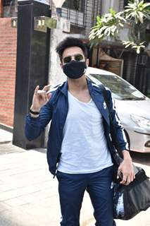 Aparshakti Khurrana snapped at Juhu