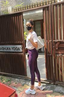 Ananya Panday snapped at Yoga class in Bandra