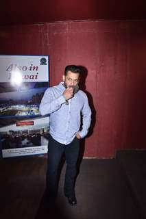 Salman Khan arrive at the sets of brother Arbaaz Khan's chat show - Pinch