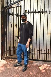 Sunny Singh snapped at Luv Ranjan office in Juhu