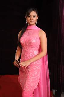 Rashmi Desai at STAR Parivaar Awards 2010