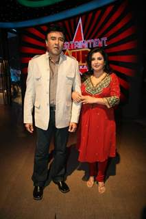 Anu Malik and Farah Khan at Entertainment Ke Liye Kuch Bhi Karega sets
