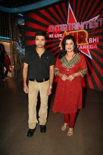 Himesh Reshammiya and Farah Khan at Entertainment Ke Liye Kuch Bhi Karega sets
