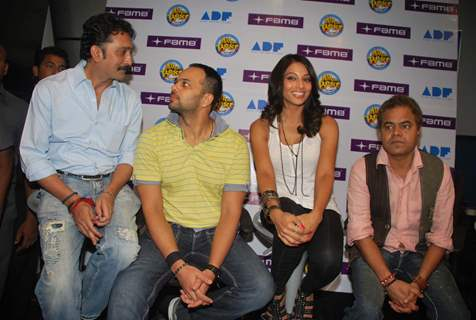 "Bipasha Basu Promotes ""All the Best Film"" at Fame"