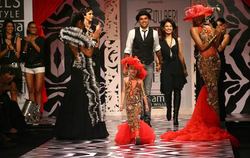 Bollywood Actor Abhay Deol with designer Ritu Beri in Wills Lifestyle India Fashion Week in New Delhi on Saturday 24 Oct 2008