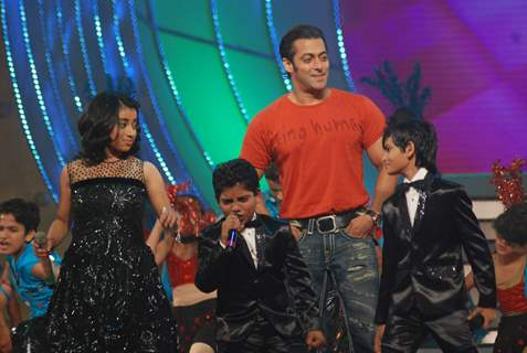 Salman Khan on the sets of Sa Re Ga Ma Little Champs Grand Finale