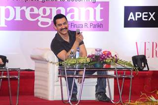 Aamir Khan at the Dr. Firuza Parikh's book Launch - A Complete Guide to becoming pregnant. .