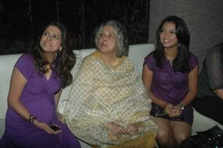 Bhavana Balsawer, Shubha Khote & Sheetal Maulik at SAB TV show Gutur Gu success bash