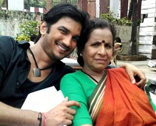 Sushant Singh Rajput & Usha Nadakarni On the sets of Pavitra Rishta