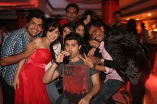Cast of Amita Ka Amit celebrating hundred episodes party