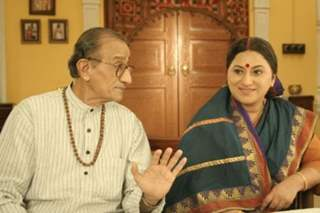 Shraddha mother and father