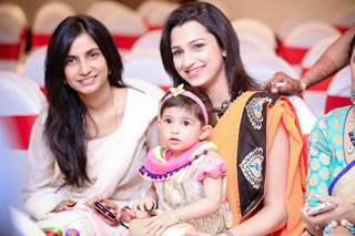 Bhairavi Raichura and Pooja Kanwal with her daughter at Jay Soni's Wedding