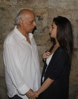 Mahesh and Alia Bhatt in a chat at the Special Screening of Citylights