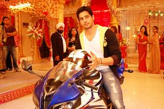 Sidharth Malhotra at the Promotion of Ek Villain on Kum Kum Bhagya