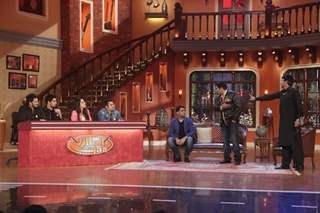 Kapil makes the cast of Ek Villain, a part of a gig called 'Villain Dikhla Jaa'