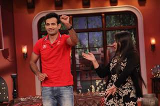 Irfan Pathan performs at the stage of Comedy Nights with Kapil