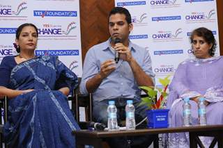Vikramaditya Motwane addressing the audience