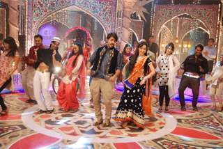 Ashish Sharma and Sanaya Irani perform at Jahsn-e-Eid