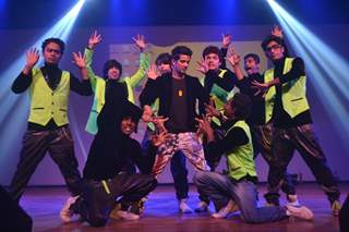 Mudassar Khan performs at the IIMUN Event