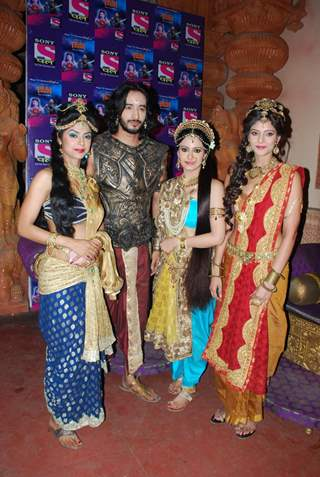 Cast of Singhasan Battisi poses for the media at the Launch