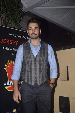 Abhinav Shukla poses for the media at the Jersey Launch of BCL Team Jaipur Raj Joshiley
