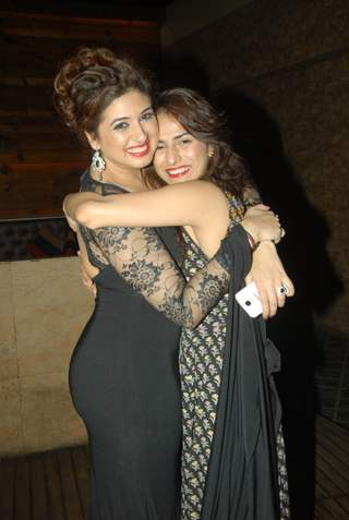 Kashmira Irani poses with Vahbbiz Dorabjee Dsena at her Birthday Bash