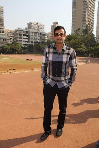 Irfan Pathan poses for the media at Bright Start Fellowship International School