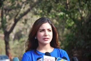 Anushka Sharma was snapped giving media bytes at the Promotions of NH10 on Savdhaan India