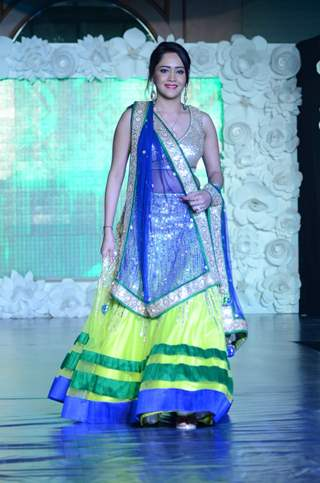 Aasiya Kazi walks on the Ramp at The Beti Fashion Show 2015