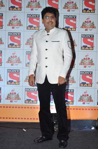 Shailesh Lodha poses for the media at SAB Ke Anokhe Awards