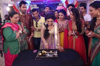 Sreejita Day Celebrates Birthday with Tum Hi Ho Bandhu Sakha Tumhi Cast