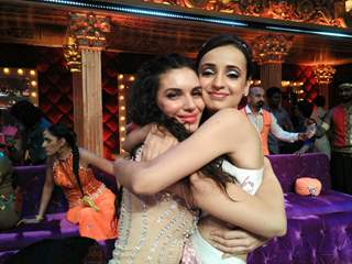 Sanaya Irani and Scarlett Wilson on the Sets of Jhalak Dikhla Jaa 8