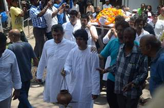 Aadesh Shrivastava performs the last rites at his Funeral