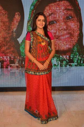 Aasiya Kazi of Balika Vadhu at Celebration of  Completion of 2000 Episodes