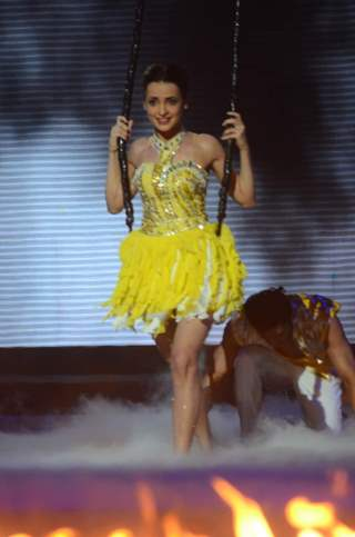 Sanaya Irani Performs on Jhalak Dikhhla Jaa - Grand Finale