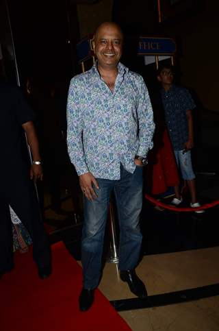 Naved Jaffrey at Premiere of Jazbaa