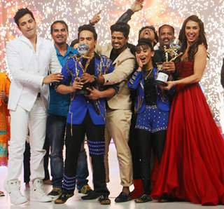 Faisal Khan Winning Moment With Contestants and Judges