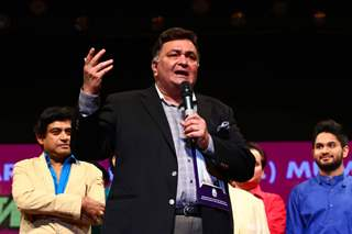 Rishi Kapoor at Amit Kumar's 50th Birthday Celebrations