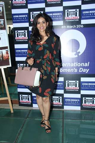 Sonali Kulkarni at Leena Mogre's Women's Day Celebration