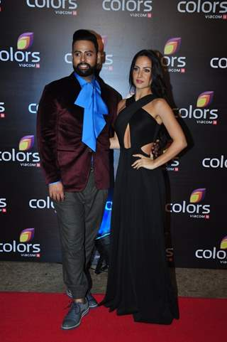 VJ Andy with Elli Evram at Colors TV's Red Carpet Event