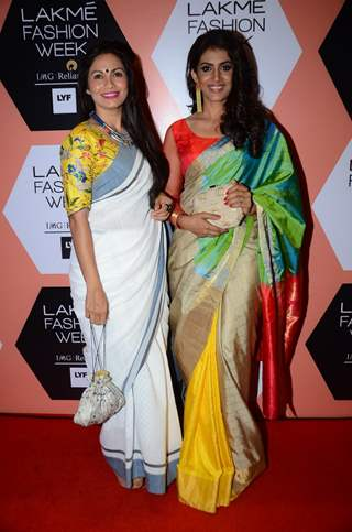 Maria Goretti and Sonali Kulkarni at Lakme Fashion Show 2016