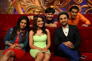 Vir Das with Promotions of 'Santa Banta Pvt. Ltd. on Comedy Nights Bachao