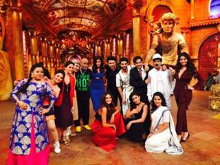 Vinod Kamble has a Blast on the sets of 'Comedy Nights Bachao'